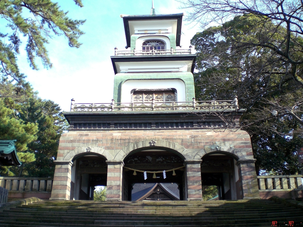 sanctuaire-oyama-Kanazawa-portail-principal
