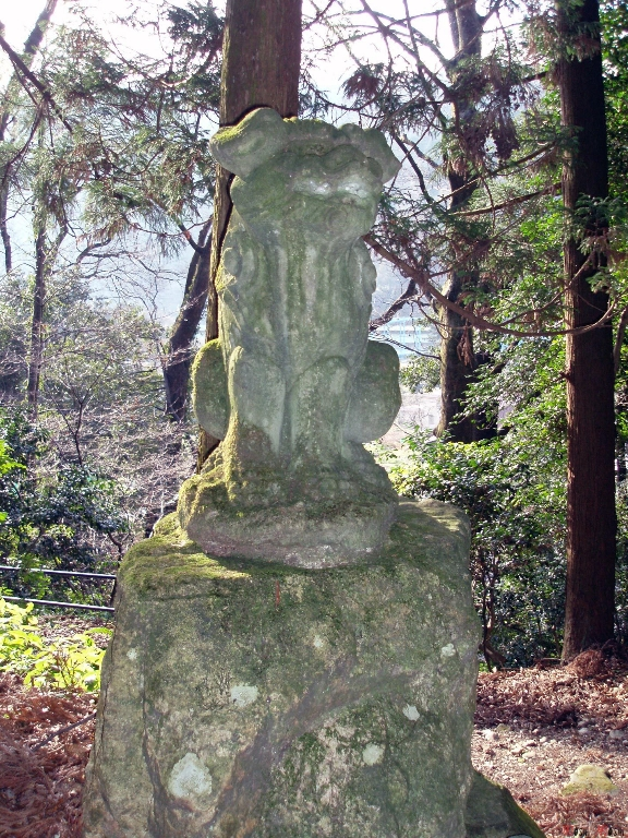 shrine-shirayama-hime-statue-ancienne