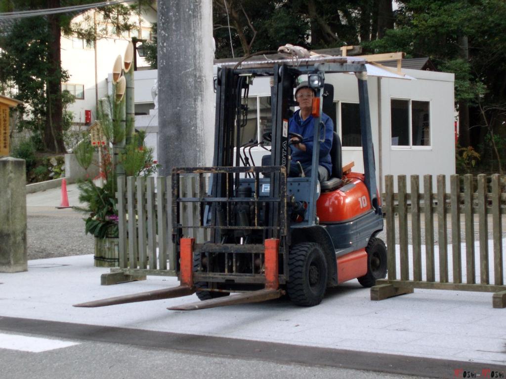 shrine-shirayama-hime-travailleur