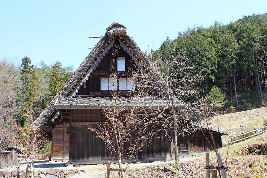 hida-no-sato-village-folklorique-musee-takayama-gifu-ancienne-maison-toit-chaume