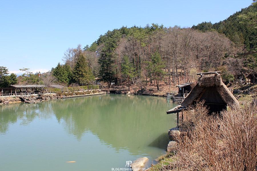 hida-no-sato-village-folklorique-musee-takayama-gifu-etang-cote-foret