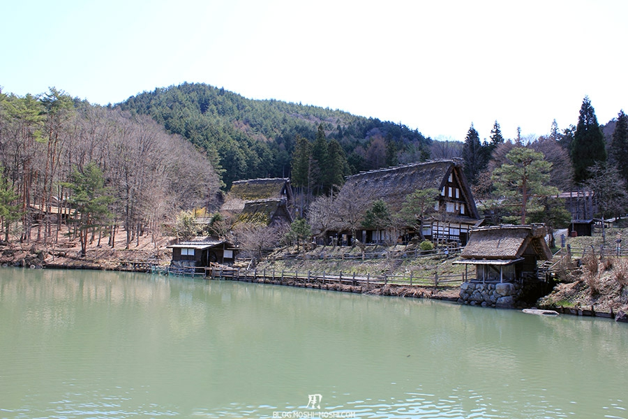hida-no-sato-village-folklorique-musee-takayama-gifu-etang-maison-paille