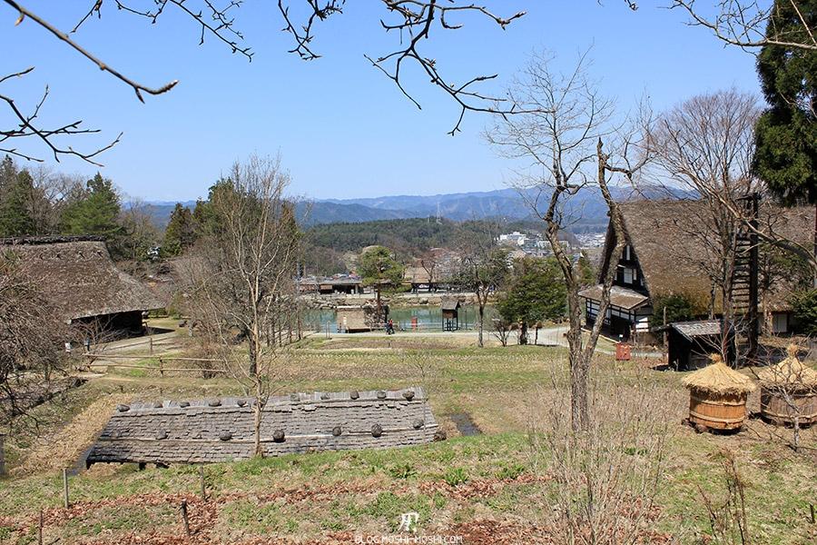 hida-no-sato-village-folklorique-musee-takayama-gifu-hauteur-vue-etang-alpes-japonaises