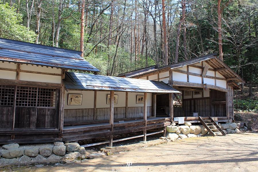 hida-no-sato-village-folklorique-musee-takayama-gifu-sanctuaire-tateho-pavillon-bois