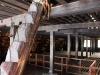 hida-no-sato-village-folklorique-musee-takayama-gifu-ancienne-maison-toit-chaume-grenier-detail-charpente-poutre