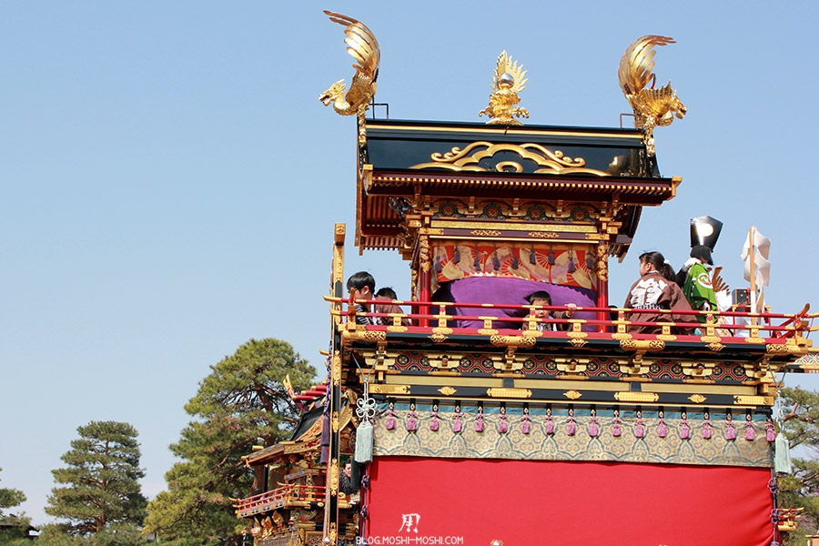 Takayama-sanno-matsuri-yatai-enfants