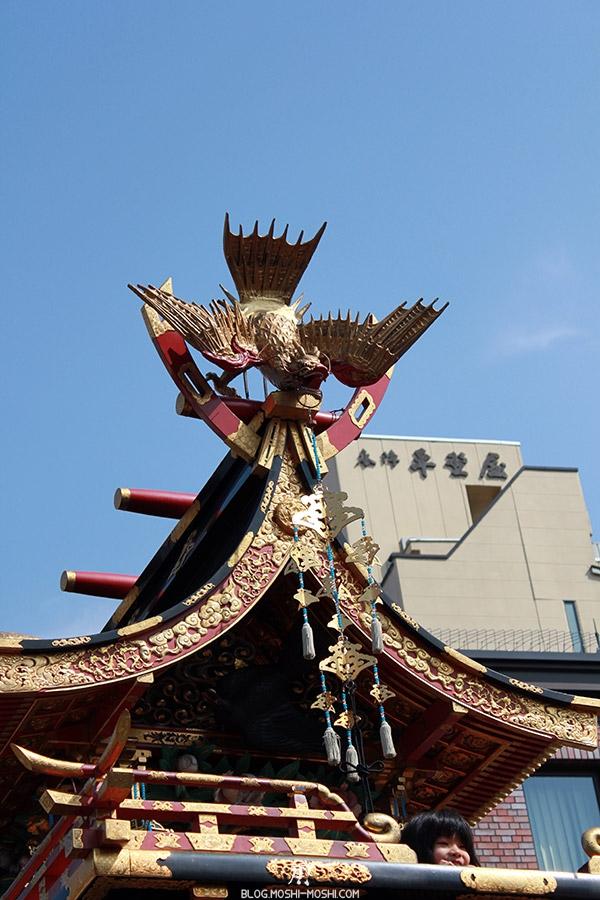 takayama-sanno-matsuri-yatai-gros-plan-dorures