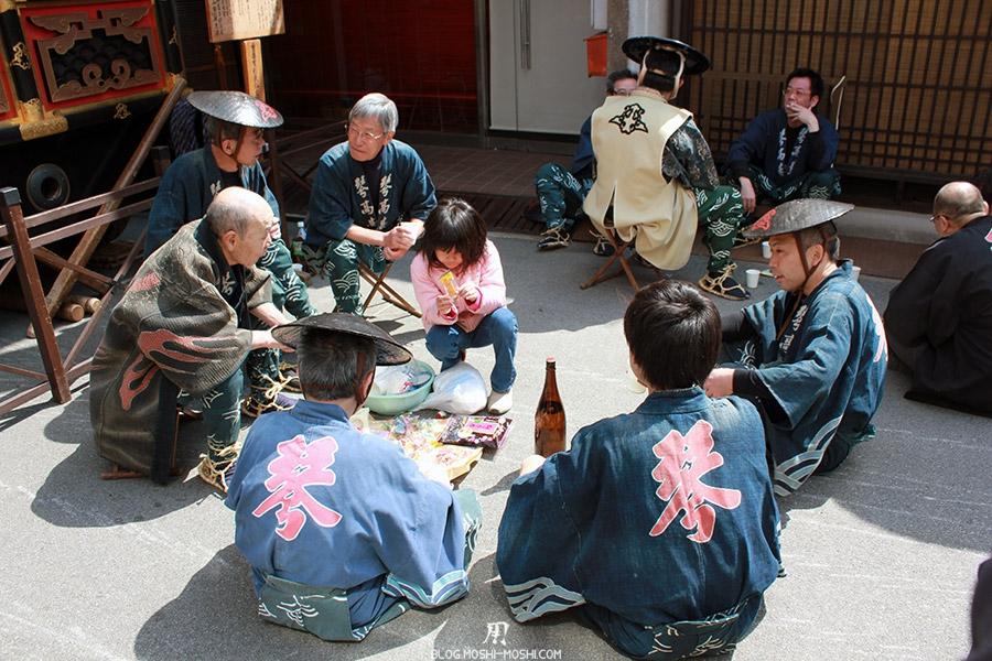 Takayama-sanno-matsuri-yatai-pause
