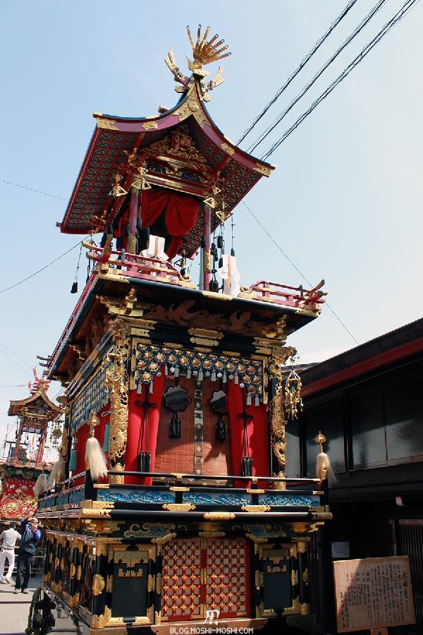 takayama-sanno-matsuri-yatai-rouge-seul-cote