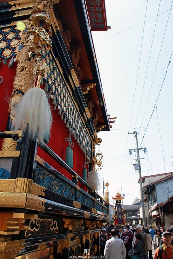 takayama-sanno-matsuri-yatai-rouge-transverse