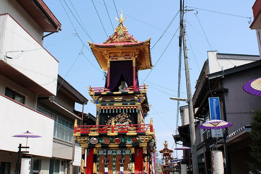 takayama-sanno-matsuri-yatai-rues-etroites