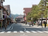takayama-sanno-matsuri-rue-personne-attente