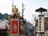 takayama-sanno-matsuri-yatai-dos-pretre-lanterne