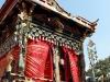 takayama-sanno-matsuri-yatai-rideau-rouge-dorures
