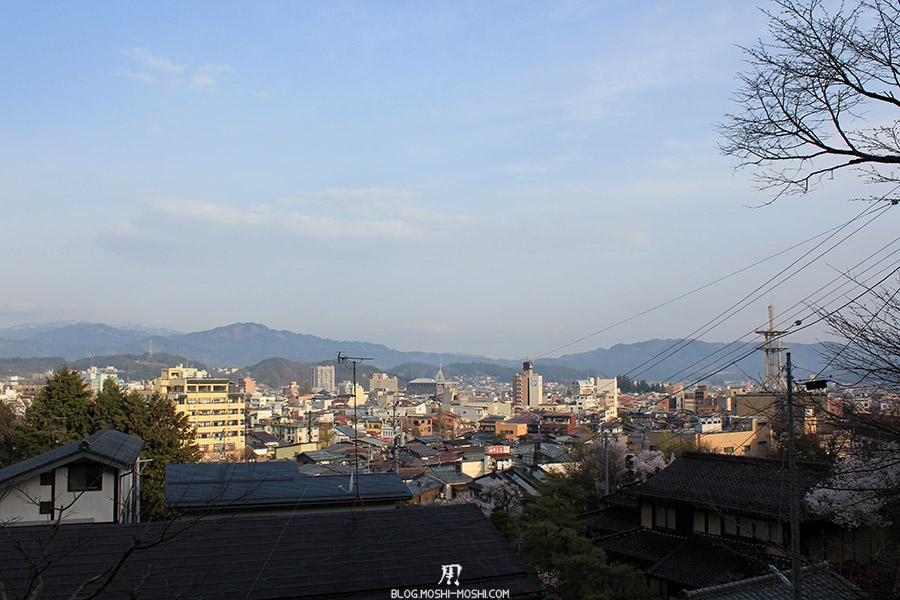 takayama-vieux-quartier-tot-le-matin-hauteur-vue-ville