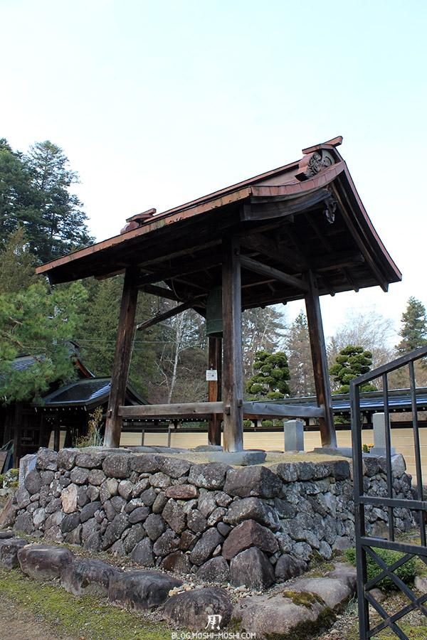 takayama-vieux-quartier-tot-le-matin-temple-hauteur-gong