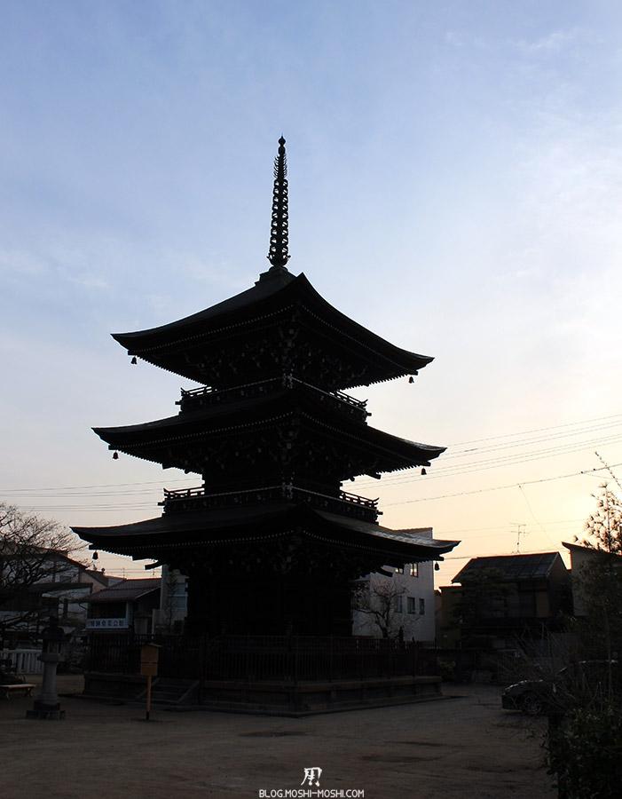 takayama-vieux-quartier-tot-le-matin-temple-hida-kokubunji-pagode