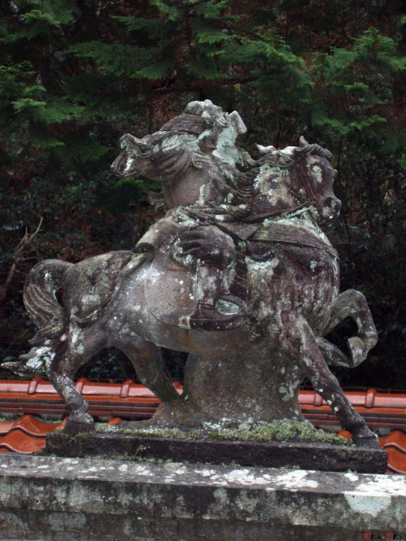 temple-natadera-Komatsu-statue-cheval