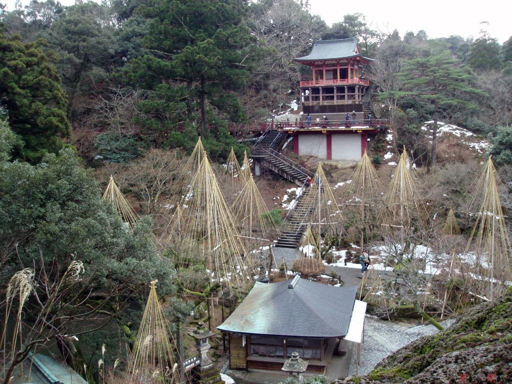 temple-natadera-Komatsu-vue-vers-panorama