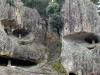 temple-natadera-Komatsu-grimpette-entre-rocher