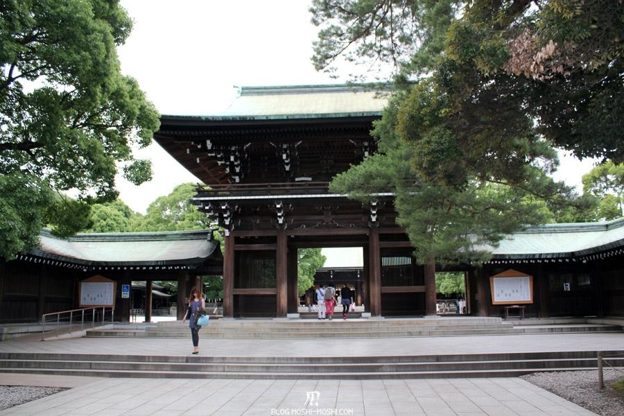 meiji-jingu-Tokyo-entree-immense