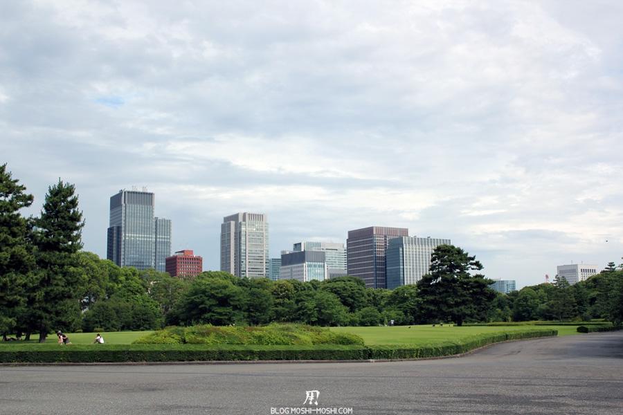 palais-imperial-Tokyo-jardin-est-ancien-moderne