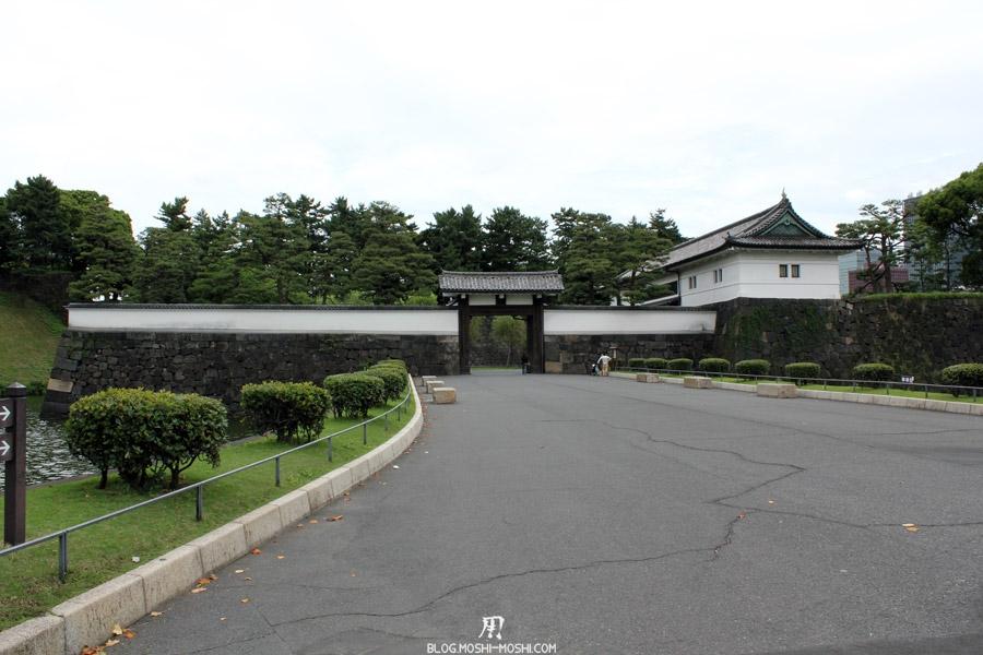 palais-imperial-Tokyo-entree-en-vue