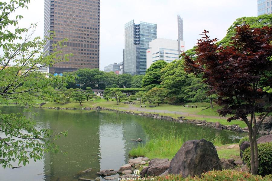 parc-kyu-shiba-rikyu-Tokyo-etang-immeuble