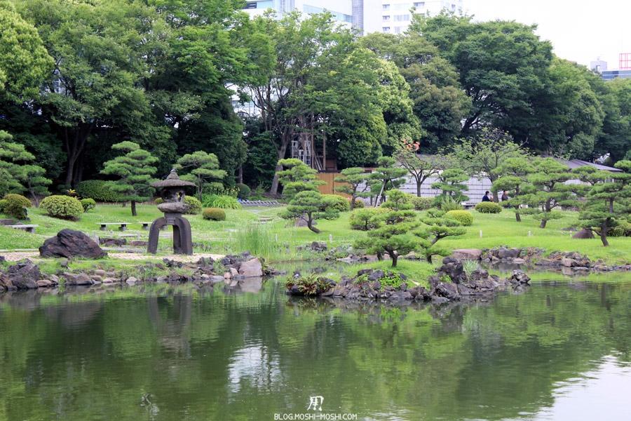 parc-kyu-shiba-rikyu-Tokyo-verdure-lanterne