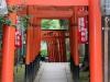 parc-ueno-Tokyo-sanctuaire-hanazono-inari-allee-torii