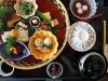 quartier-shinjuku-Tokyo-building-dernier-etage-plateau-repas