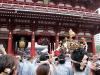 tokyo-sanja-matsuri-asakusa-senso-ji-approche-porte-kaminarimon-attention-passage