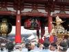 tokyo-sanja-matsuri-asakusa-senso-ji-approche-porte-kaminarimon-lanterne-repliee