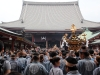 tokyo-sanja-matsuri-asakusa-senso-ji-foule-temple