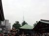 tokyo-sanja-matsuri-asakusa-senso-ji-hondo-mikoshi-skytree-dans-nuage