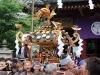 tokyo-sanja-matsuri-asakusa-senso-ji-mikoshi-deuxieme-benediction-gros-plan