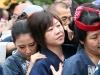 tokyo-sanja-matsuri-asakusa-senso-ji-mikoshi-porteurs-portrait-jeune-fille-ongles-bien-manucures