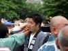 tokyo-sanja-matsuri-asakusa-senso-ji-mikoshi-porteurs-portrait-jeune-homme-epuise