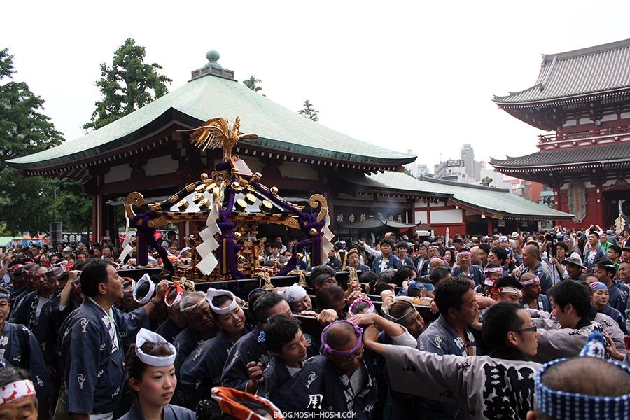 tokyo-sanja-matsuri-asakusa-senso-ji-hondo-ca-repart