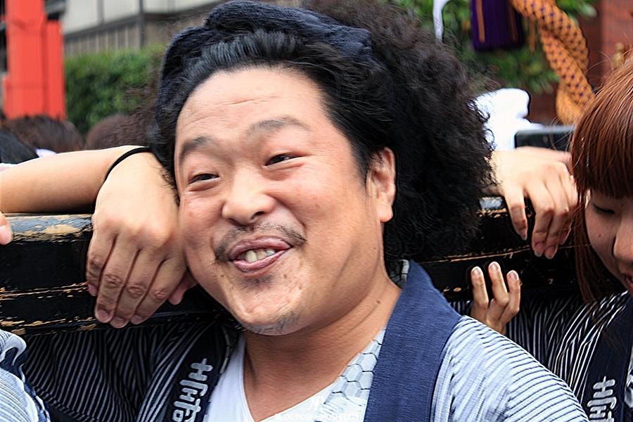 tokyo-sanja-matsuri-asakusa-senso-ji-quartier-hotel-joyeux-toujours-bonne-humeur