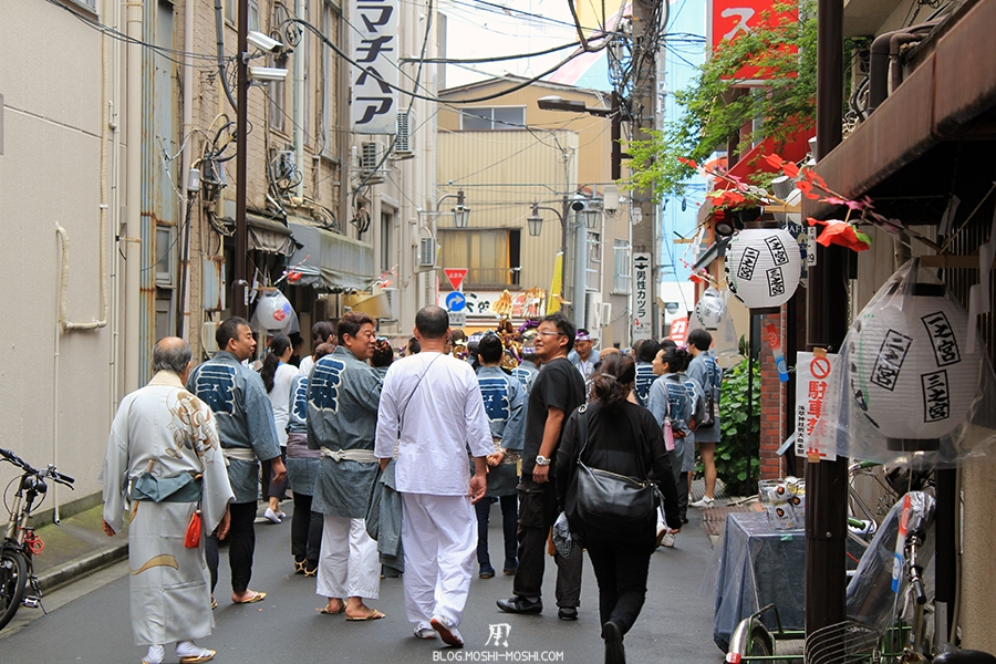Sanja Matsuri tokyo-asakusa-senso-ji-quartier-hotel-queue-peloton