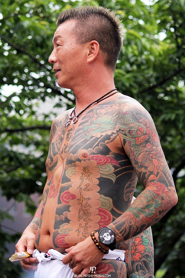 tokyo-sanja-matsuri-asakusa-senso-ji-yakuza-tatouages-decontraction
