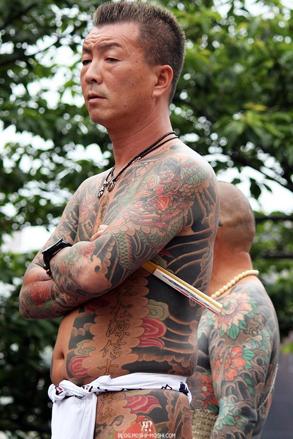 tokyo-sanja-matsuri-asakusa-senso-ji-yakuza-tatouages-pas-content