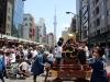 tokyo-sanja-matsuri-quartier-rues-asakusa-gros-taiko-mobile-enfants