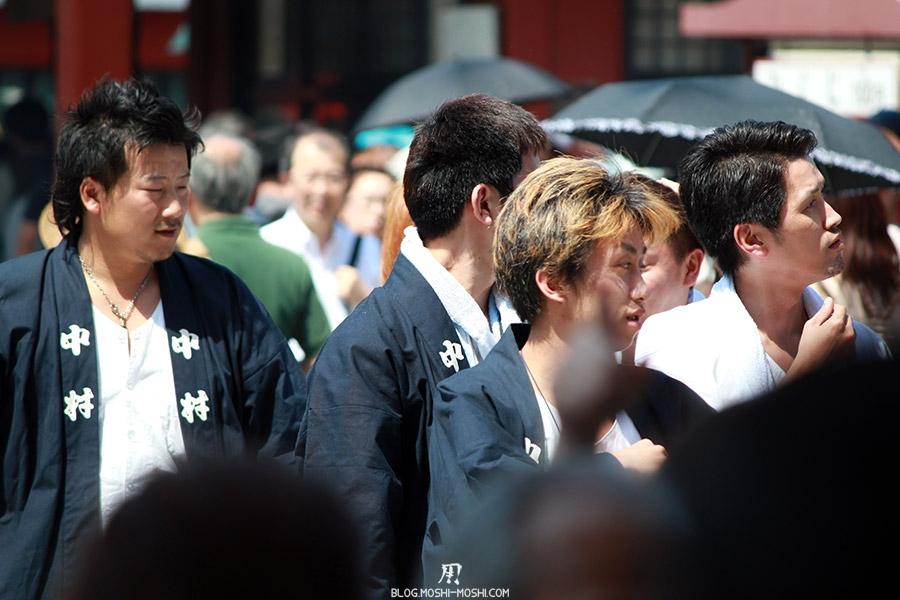 tokyo-sanja-matsuri-quartier-rues-asakusa-groupe-yankee