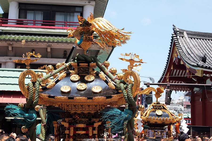 tokyo-sanja-matsuri-quartier-rues-asakusa-mikoshi-gros-plan-2