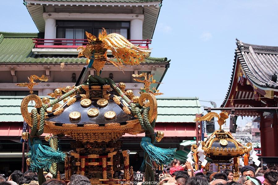 tokyo-sanja-matsuri-quartier-rues-asakusa-mikoshi-gros-plan