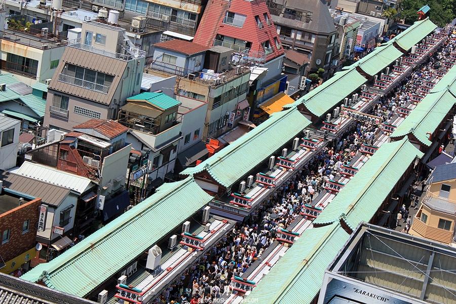 tokyo-sanja-matsuri-quartier-rues-asakusa-observatoire-office-tourisme-senso-ji-nakamise-dori-vue-proche
