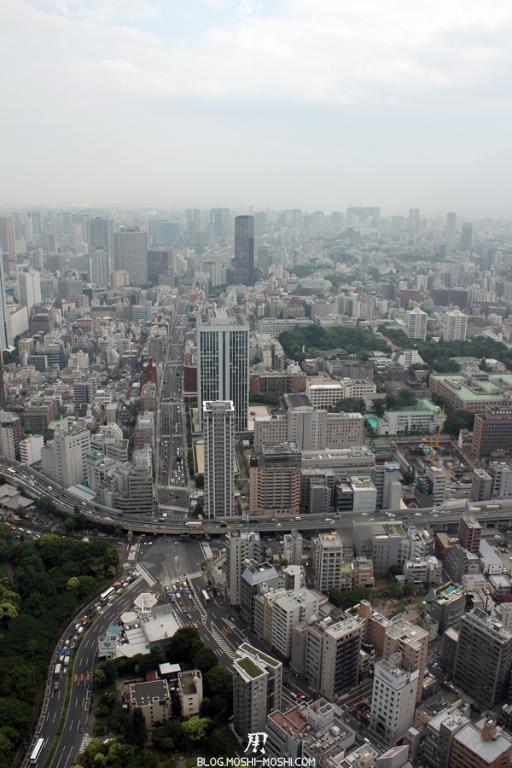 tour-de-tokyo-vue-du-haut-artere-routiere-tokyo