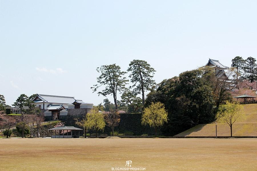 journee-kanazawa-chateau-vue-depuis-esplanade